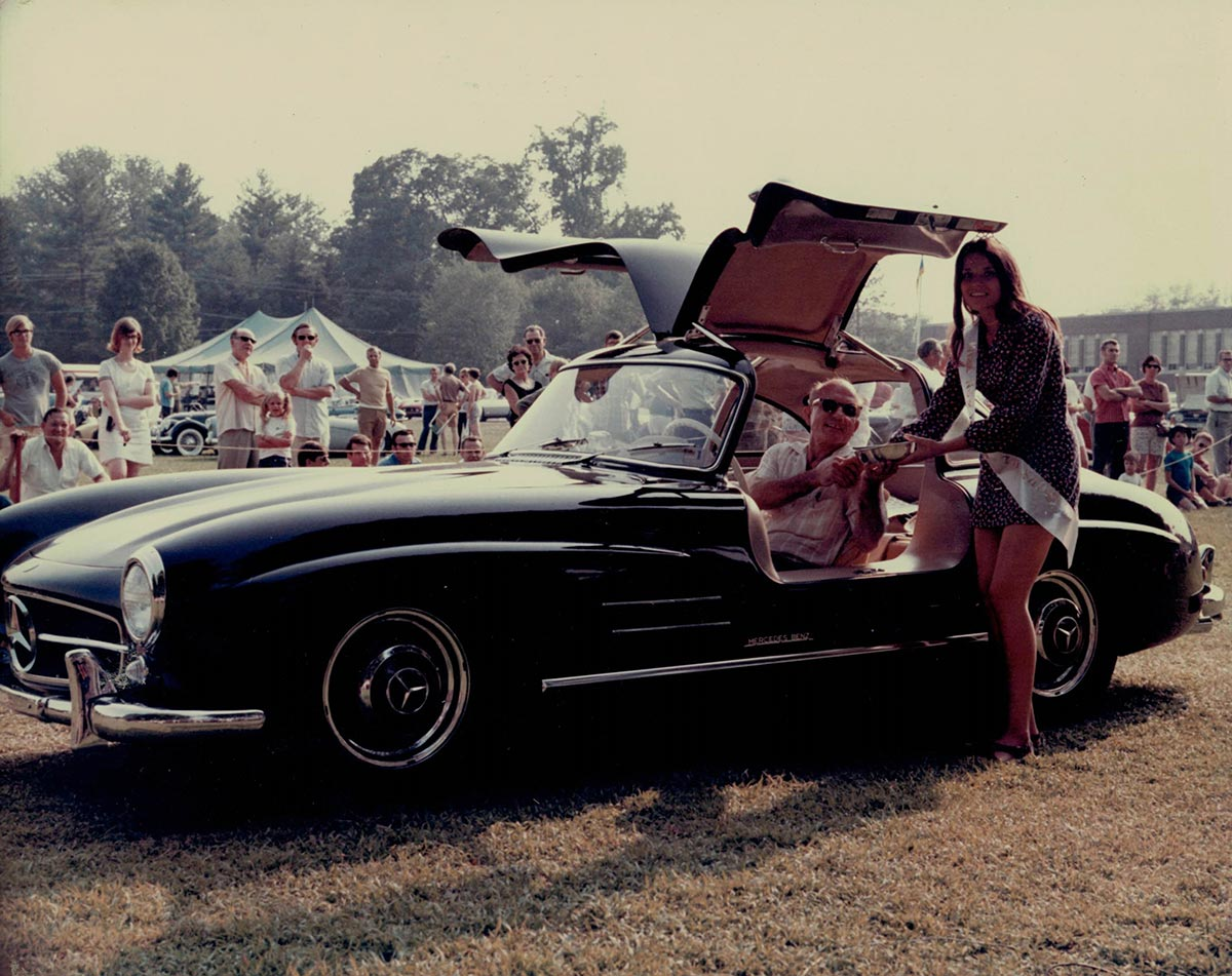 Buying a mercedes benz 300 sl gullwing in 1970 for Buying a mercedes benz