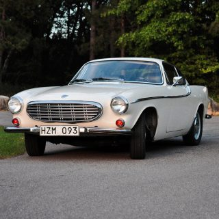 A Vintage Racing Weekend Is The Best Reason To Take A Volvo P1800 Out Of Storage