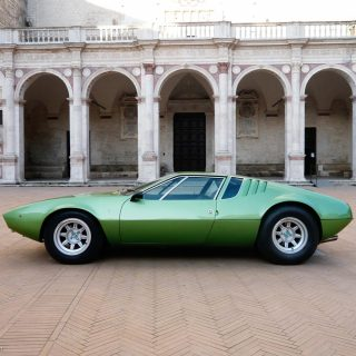 A De Tomaso Mangusta Perfectly Suits An Award Winning Photographer