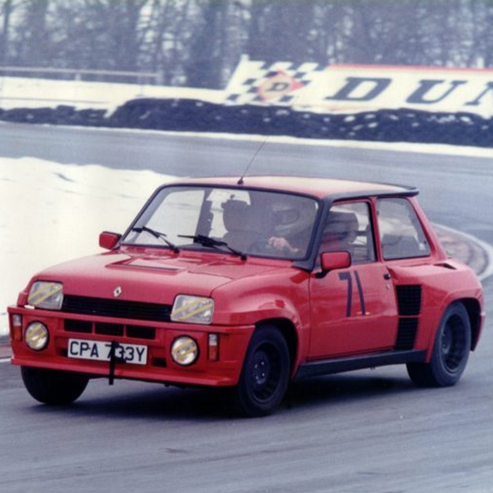 How Renault Put a Turbo in the Trunk and Made the R5 Turbo