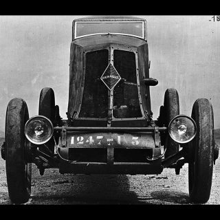 The 1926 Renault 40CV Broke Speed Records with Brute Force