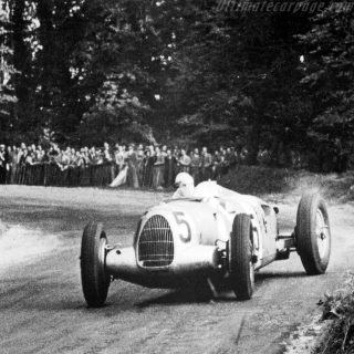 Auto Union's Deadly Silver Arrows Brutalized the Track