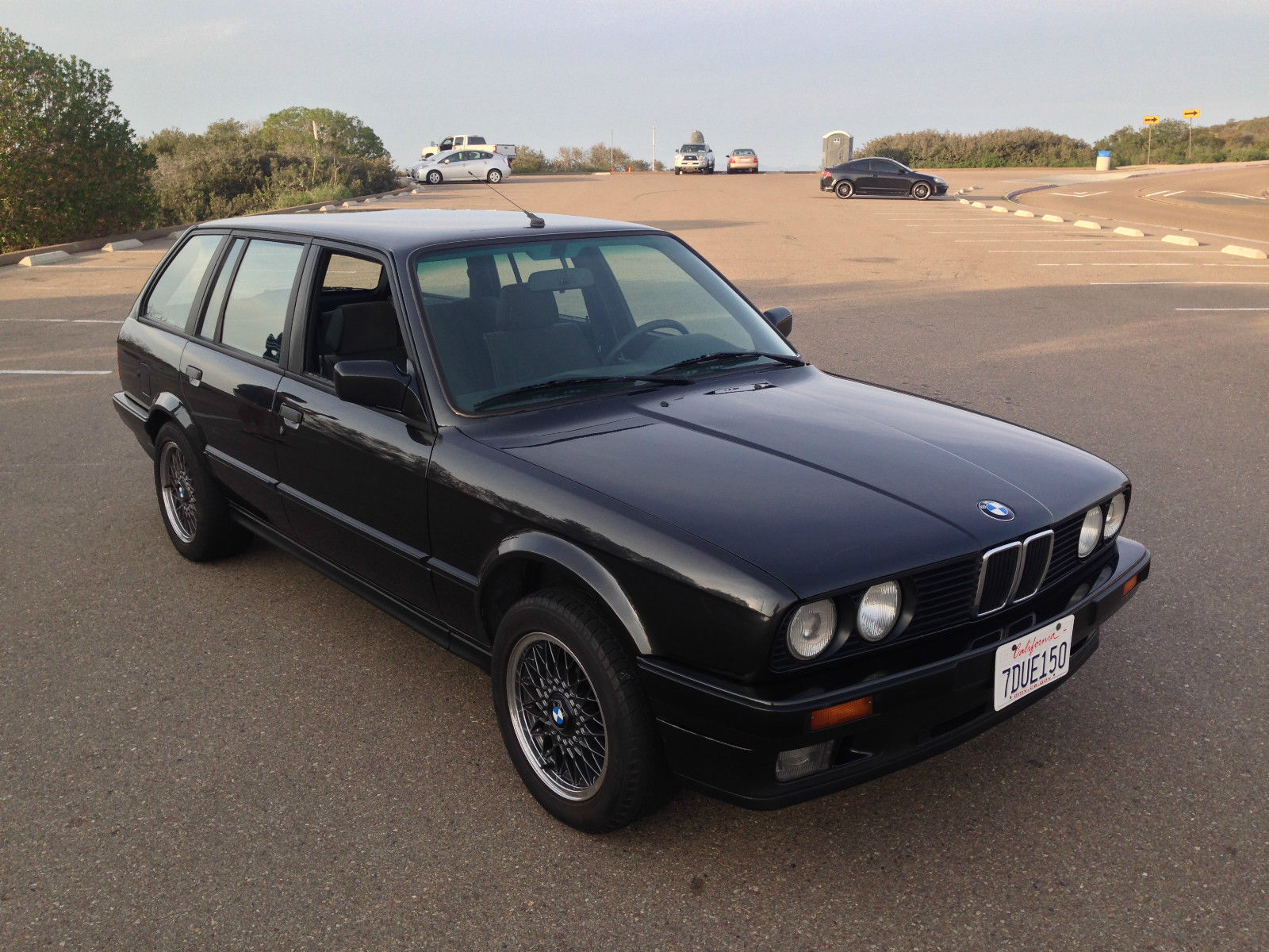 pick up a rare in the us bmw e30 320i touring petrolicious. Black Bedroom Furniture Sets. Home Design Ideas