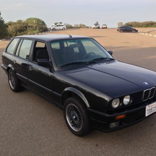 Pick Up a Rare-in-the-US BMW E30 320i Touring
