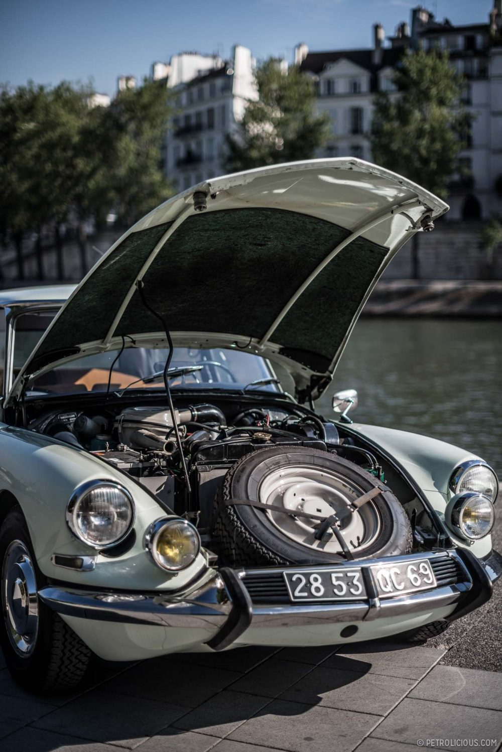 Why the Citroën DS Is Collectable   Voiture, Voitures et motos