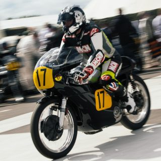 19 Photos Of Classic Motorcycles Ripping The Goodwood Revival In Two