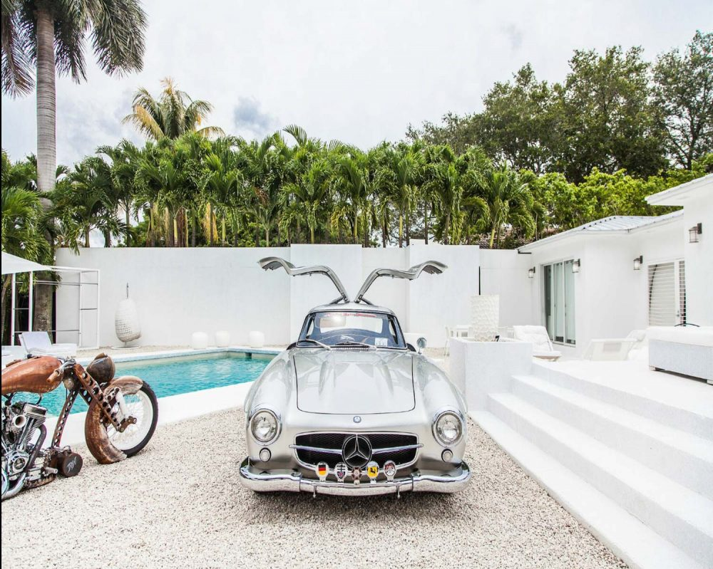 Gullwings and Veyrons Are on the Menu at Miami\'s Newest Hotspot ...