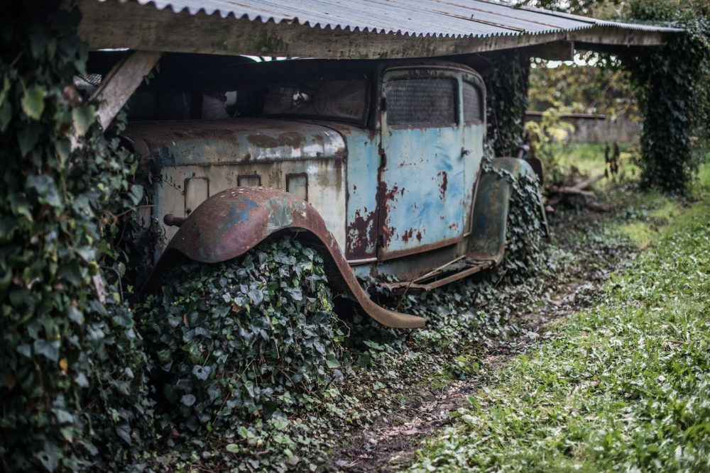 A Coffee Table Book Of Barn Finds Is As Great As It Sounds ...