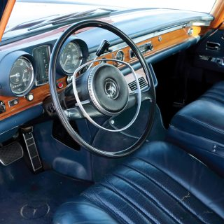 Meet The Classic Mercedes-Benz That's Perfect For Sitting In Traffic