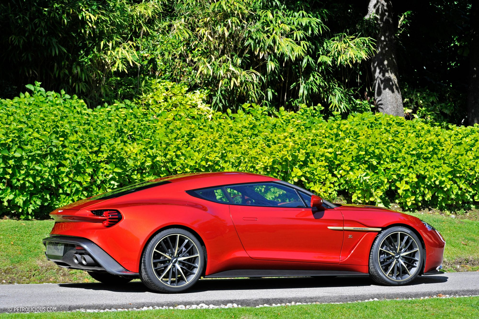 what do you think of the aston martin vanquish zagato concept petrolicious. Black Bedroom Furniture Sets. Home Design Ideas