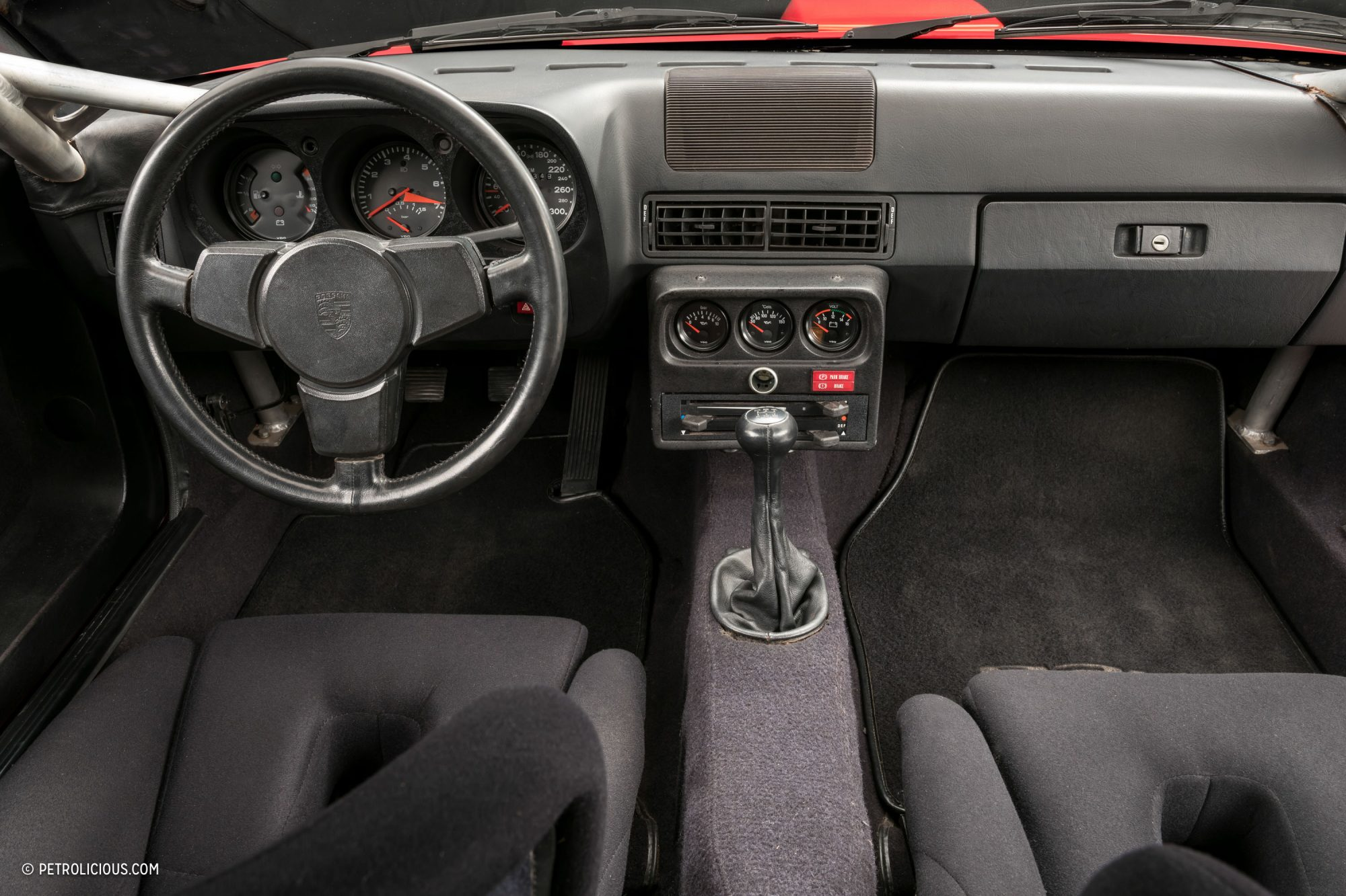 Is the 924 carrera gts clubsport the ultimate front for Porsche 924 interieur