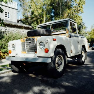Street Find: This Land Rover Pickup Is Aging Beautifully In Rustic Canyon