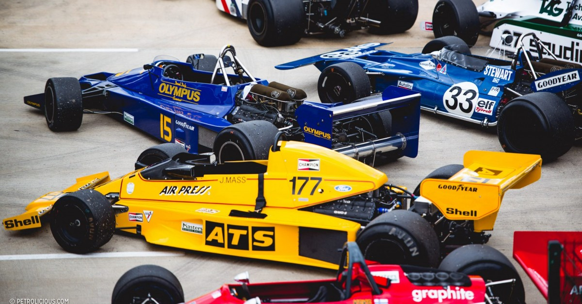 38 Photos Of Vintage F1 Cars Thrashing The Silverstone Classic ...