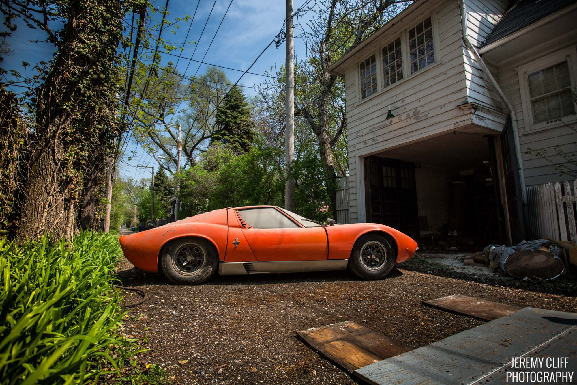 this lamborghini miura is a family heirloom barn find petrolicious. Black Bedroom Furniture Sets. Home Design Ideas