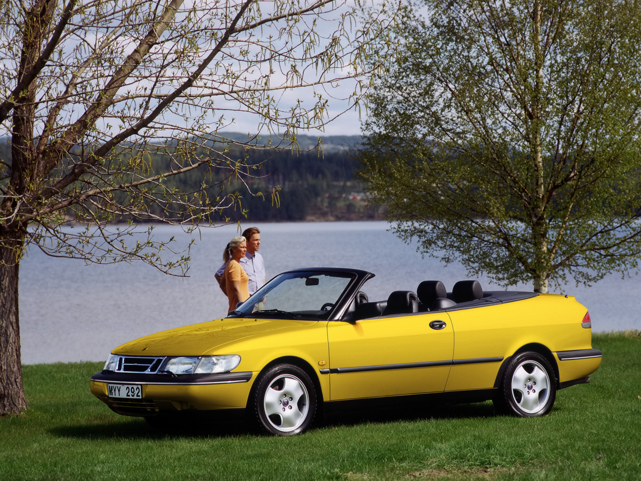 1994-1998-Saab-900-Convertible-New-Generation-1997-Yellow-Front-And-Side-1280x960.jpg
