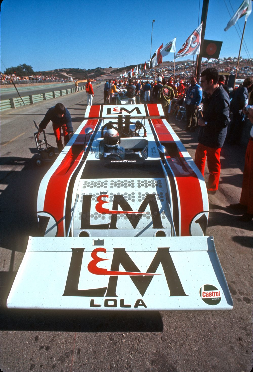 can am 50th anniversary flat out with north americas greatest race series 1966 74