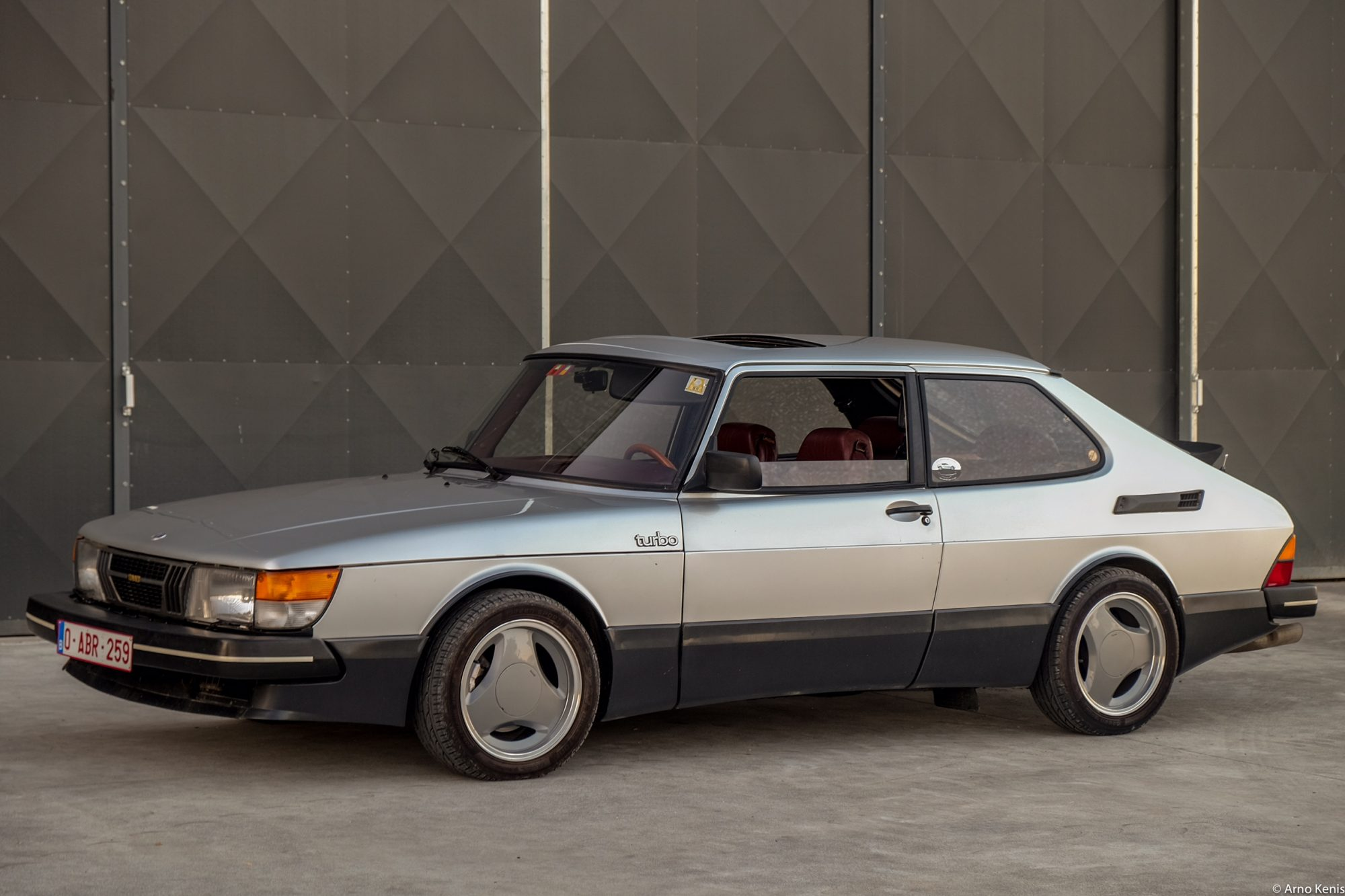 this saab 900 turbo aero is a piece of sweden s eden petrolicious. Black Bedroom Furniture Sets. Home Design Ideas