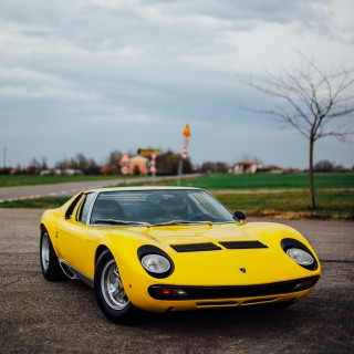 What It's Like To Drive A Lamborghini Miura On Rural Italian Roads