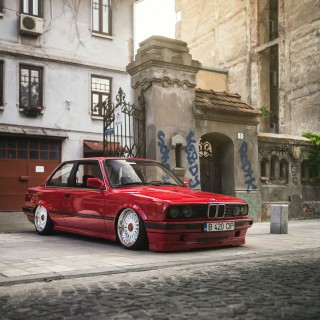Distilling Late-'80s Touring Car Styling Into A Modified BMW E30 3-Series