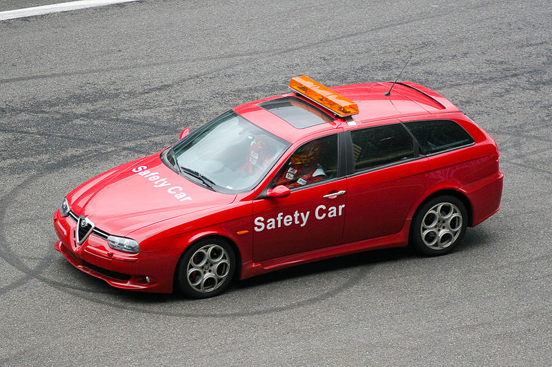 800px-Alfa_156_GTA_Sportwagon_Safety.jpg