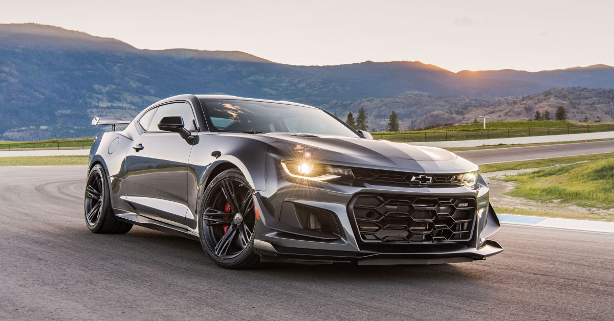 sorry stang the camaro zl1 1le is the new king of modern. Black Bedroom Furniture Sets. Home Design Ideas