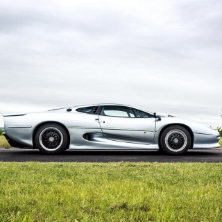 What It's Like To Drive The Infamous Jaguar XJ220