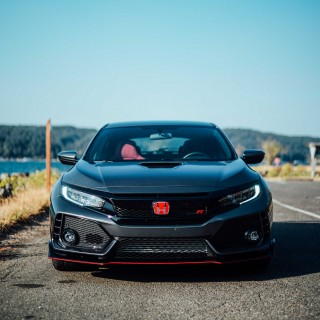 The 2017 Honda Civic Type R Is Energetic, Radical, Perfect