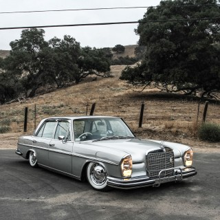 This Mercedes 280SE Lowrider Blends Period-Correct Options With Modern Modification