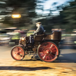 London To Brighton Is The Route For Hundreds Of Century-Old Cars In This Horseless Rally