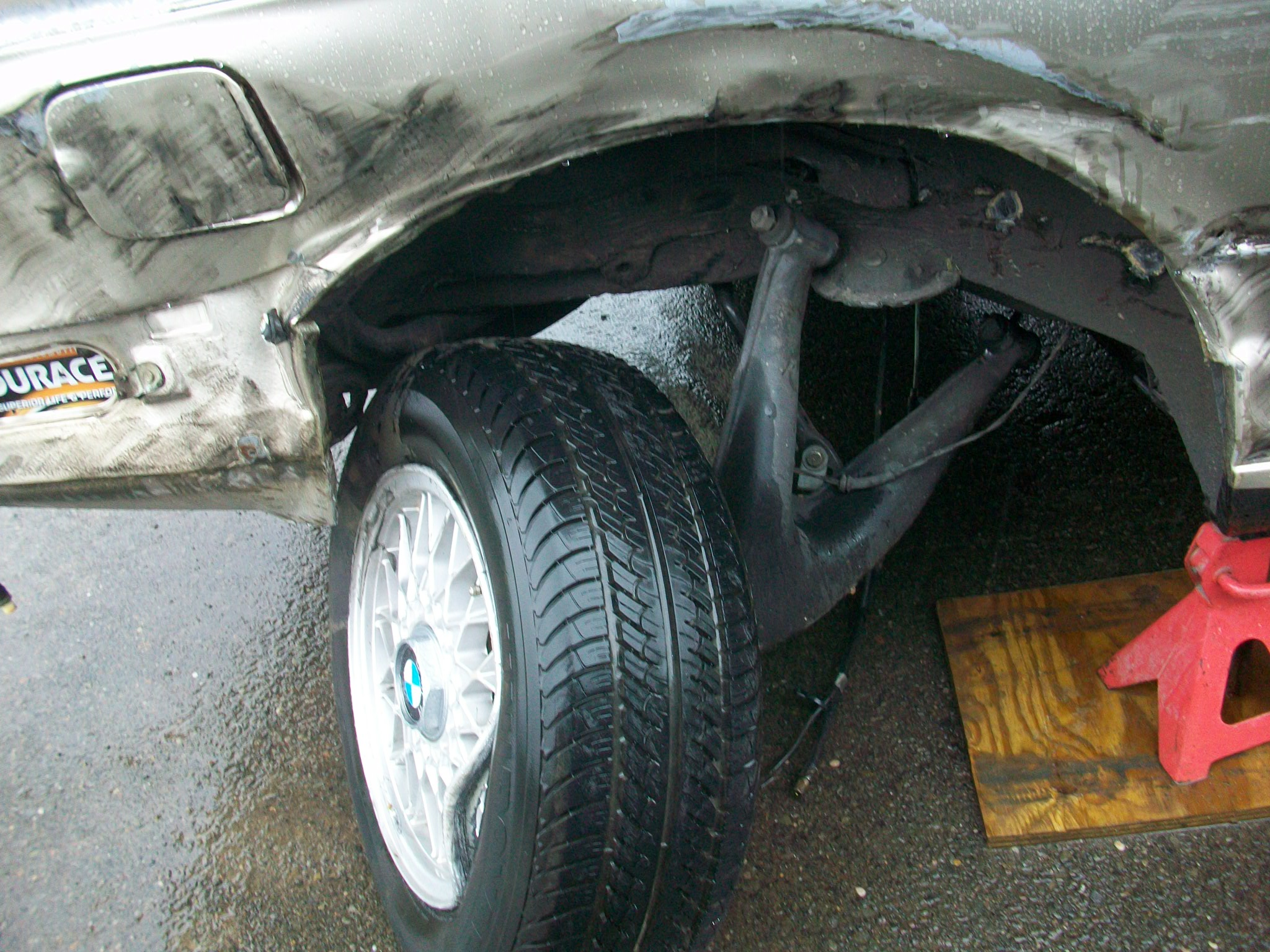 BMW crash damage 001.JPG
