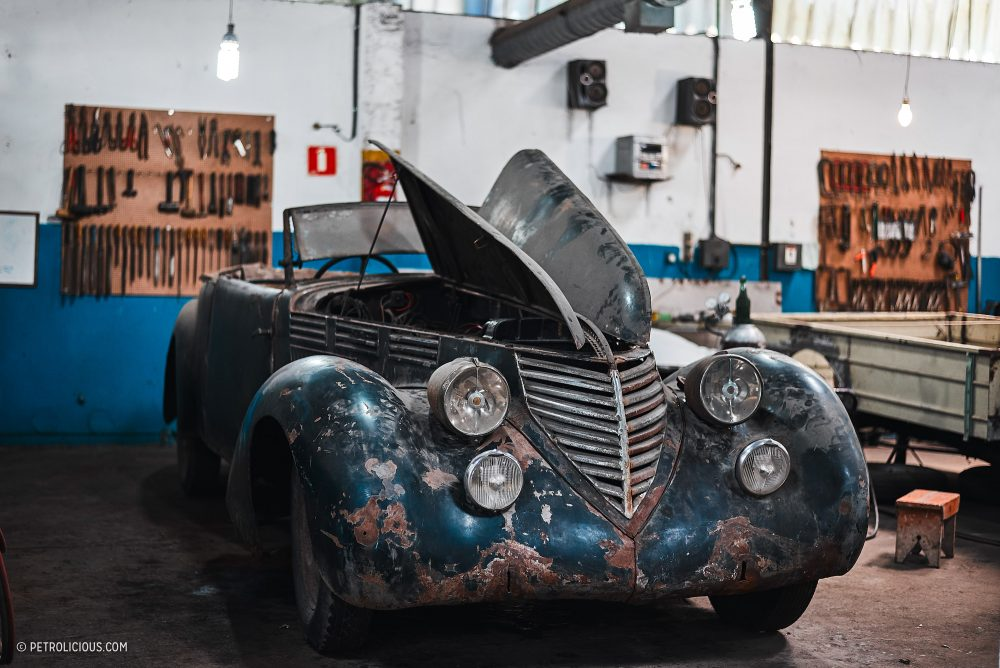 Some Rooms Were Full Of Unrestored Alfas And Other Cars Under A Few Decades Dust Such That It Felt Like Walking In On An Amazing Barn Find Forgotten