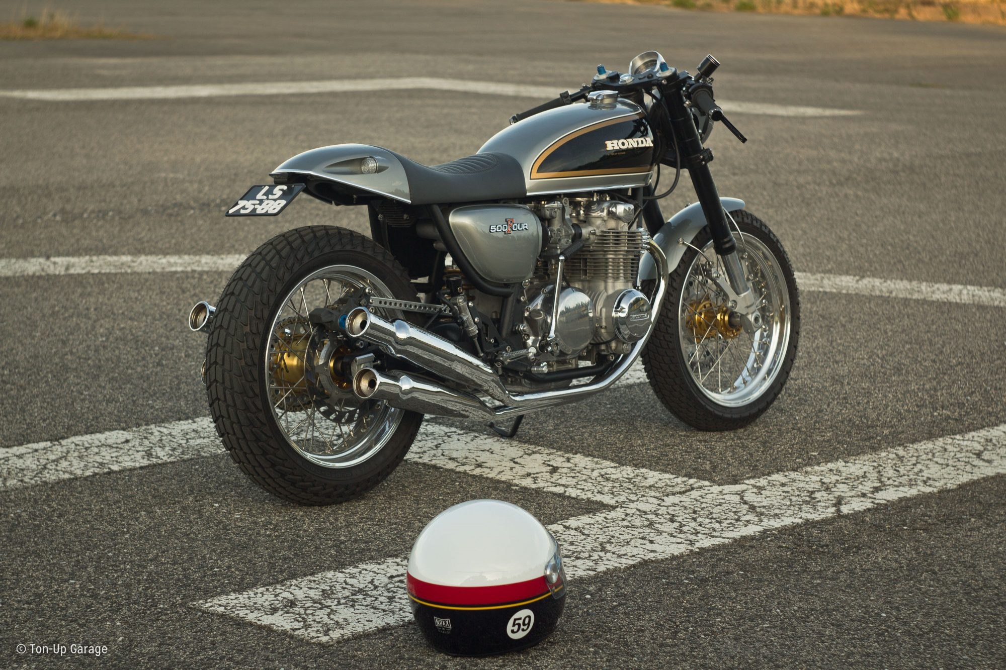 This honda cb500 four tribute has just the right amount of for Garage da 500 piedi quadrati