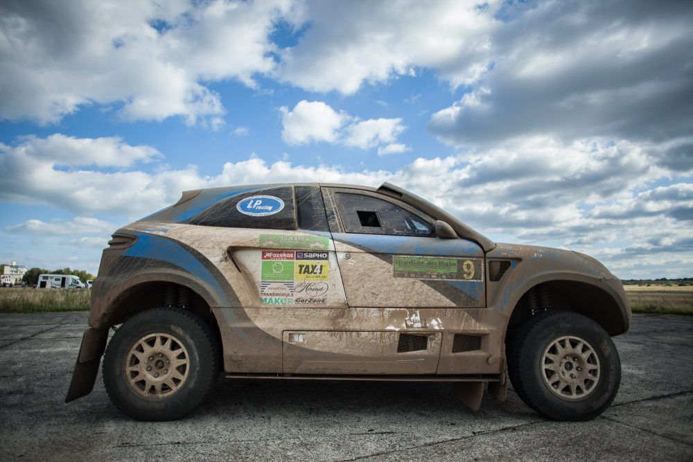 This Porsche Macan Bodied Rally Raider Was Built For The Dakar