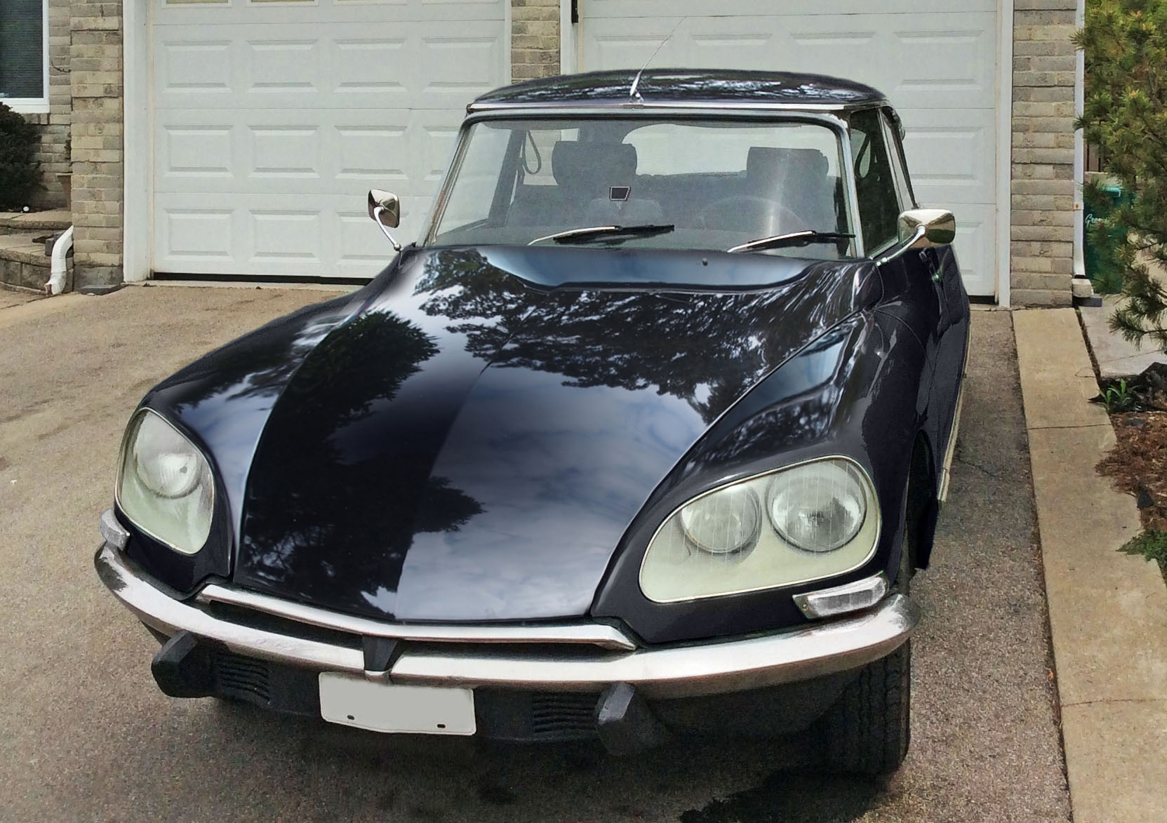 Citroen DS23 EFi Pallas 1974 - PS various and SHINY black.jpg