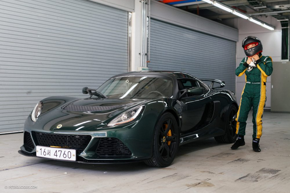 custom fit track toy meet the south korean woman who spends her vacation time in a lotus exige s petrolicious meet the south korean woman who spends