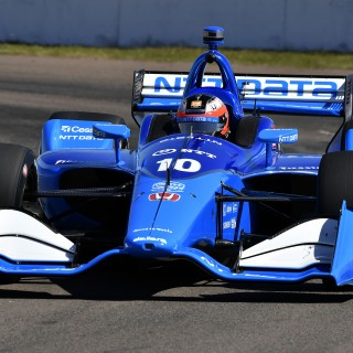 Rosenqvist Stars On His IndyCar Debut—And Did It One-Handed!