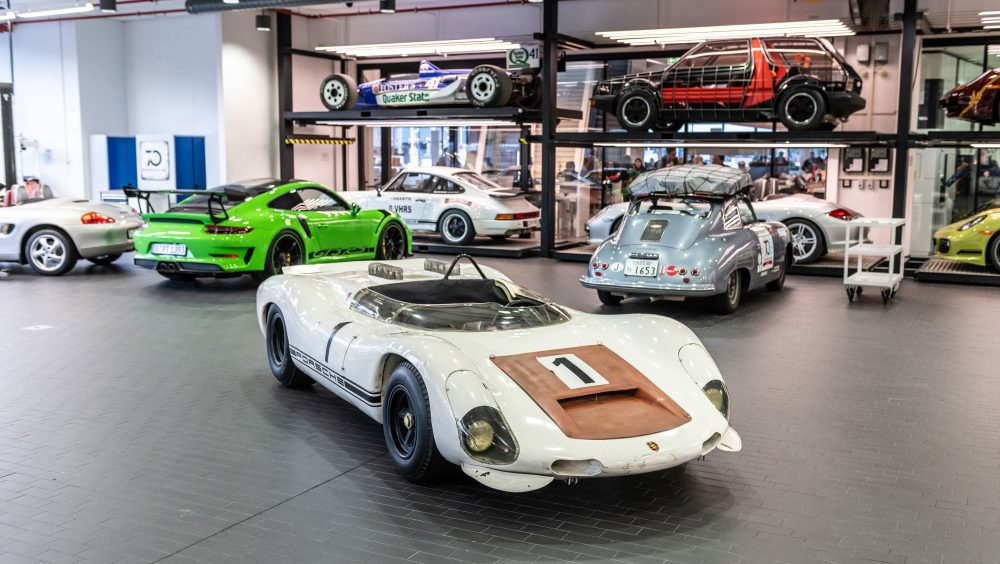 Museo Porsche.Rejecting Restoration Porsche Museum Keeps 1967 European Hill Climb