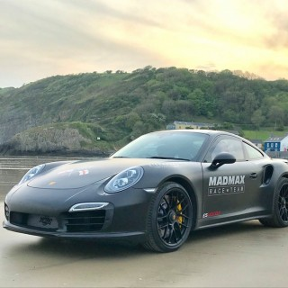Zef Eisenberg Smashes Outright Speed And Flying Mile Records At Pendine Sands In Porsche 911 Turbo
