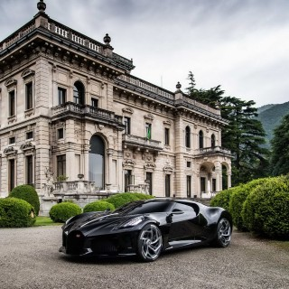 Bugatti La Voiture Noire Scoops Design Award At Concorso d'Eleganza Villa d'Este