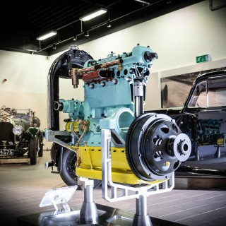 This 96-Year-Old Bentley Engine Was Brought Back To Thundering Life After a Painstaking 700-Hour Restoration