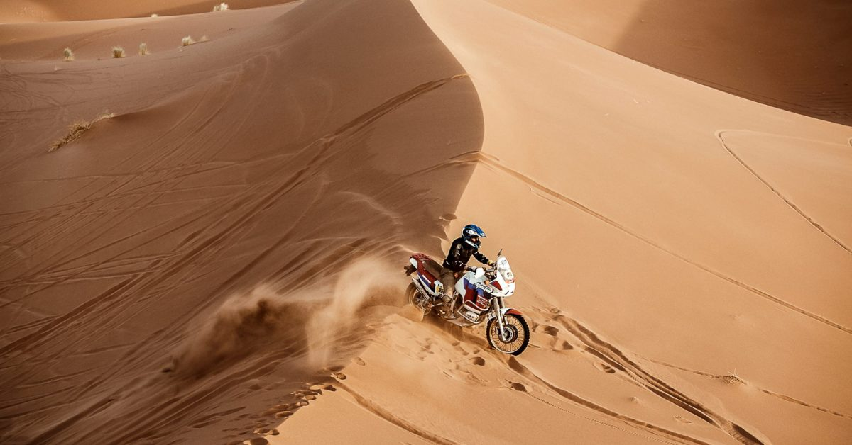 Take On Dakar With A Classic Motorbike With Sandraiders 2020