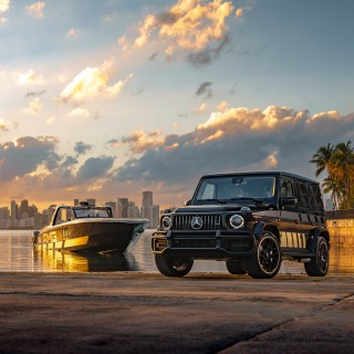 AMG Debuts 2,700hp Cigarette Boat With Matching G63