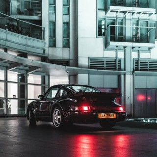 Spending A Night In London's Canary Wharf With A 1991 Porsche 964 Turbo